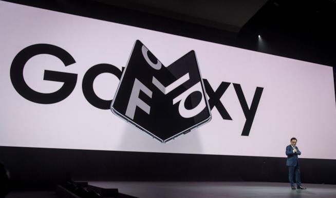 Samsung Galaxy Note 10 si mostra in un concept molto realistico