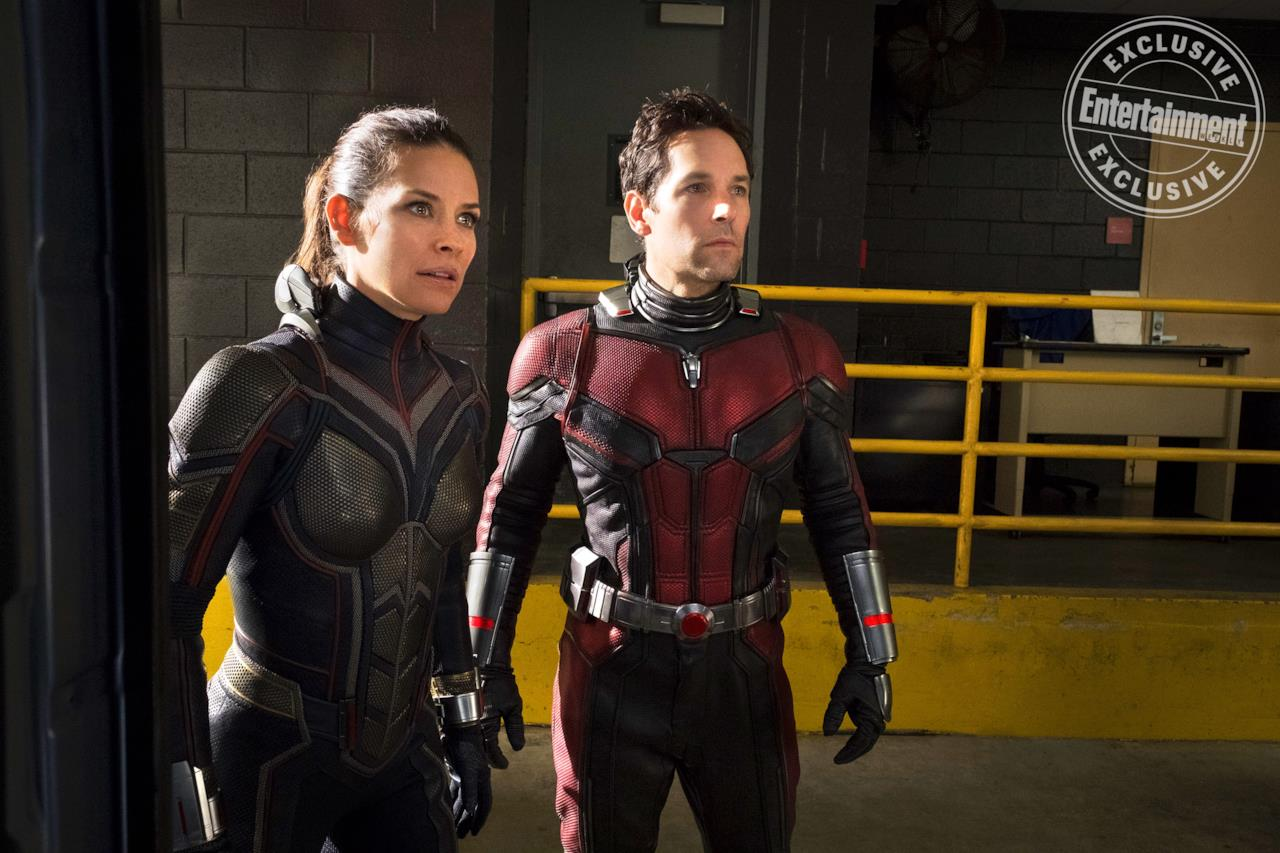 Wasp (Evangeline Lilly) e Ant-Man (Paul Rudd) in una scena del sequel