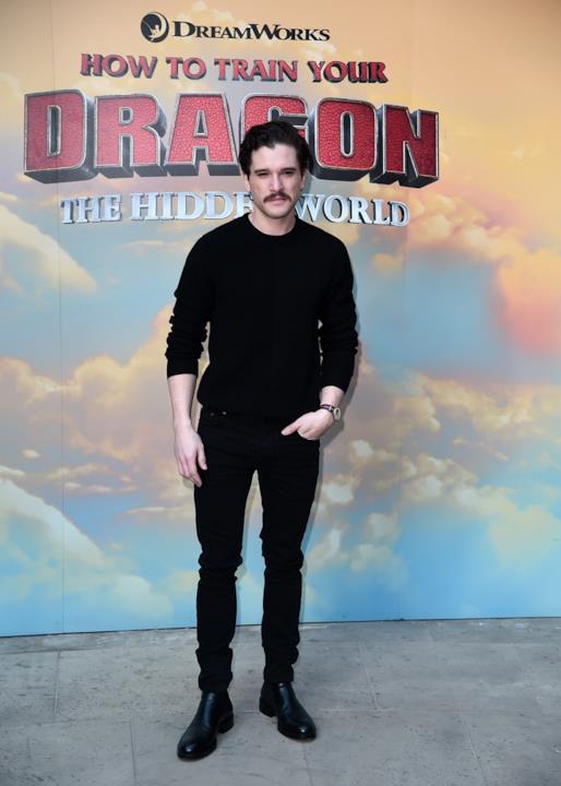 Kit Harington con un look tutto nuovo alla prima di Dragon Trainer 3