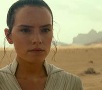 Un primo piano di Daisy Ridley nel film Star Wars: L'ascesa di Skywalker