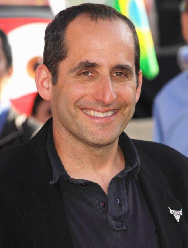 Peter Jacobson in primo piano
