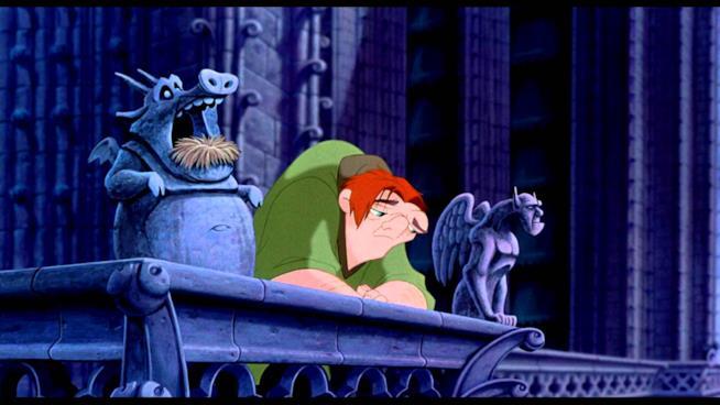 Quasimodo triste in una scena de Il gobbo di Notre Dame
