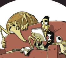 Zero che disegna sul divano con l'armadillo vicino preoccupato