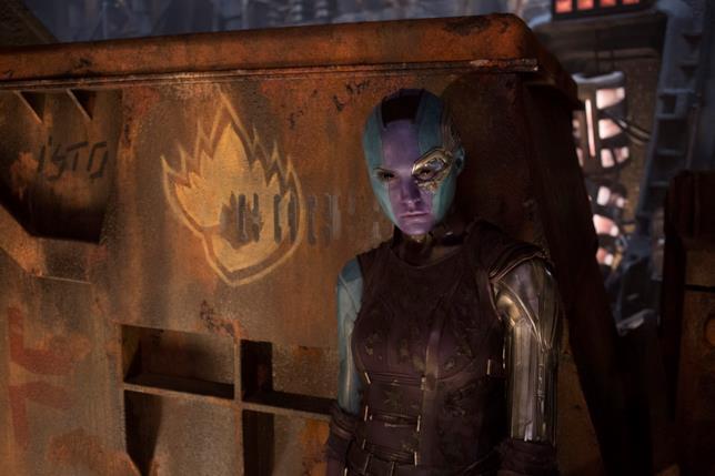 Karen Gillan è Nebula in una scena di Guardiani della Galassia Vol. 2