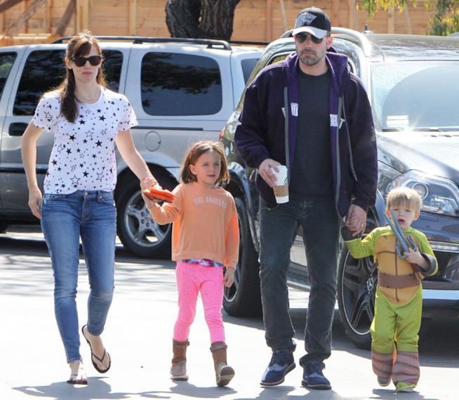 Ben Affleck e Jennifer Garner con due dei loro tre figli
