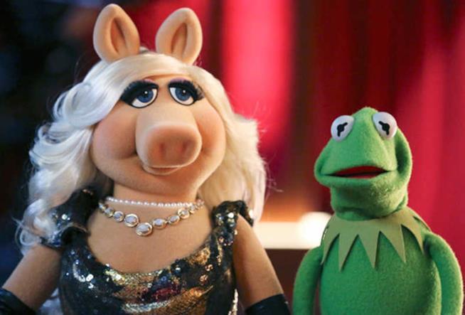 Miss Piggy in compagnia di Kermit la Rana