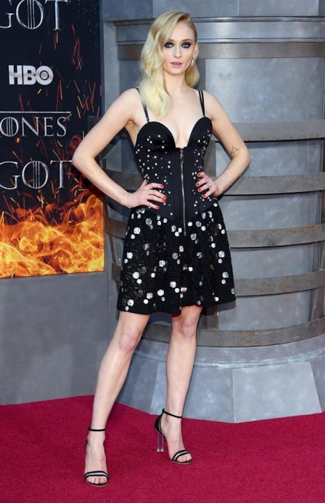 Sophie Turner è Sansa Stark