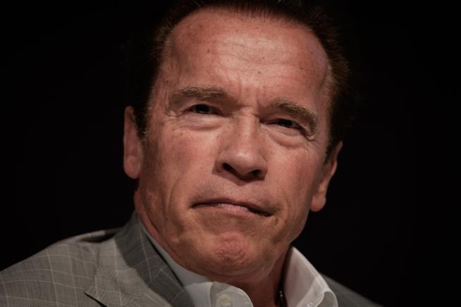 Primo piano del titanico Arnold Schwarzenegger
