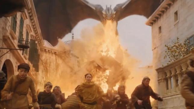 Gli abitanti di Approdo del Re vengono carbonizzati da Drogon in Game of Thrones 8x05