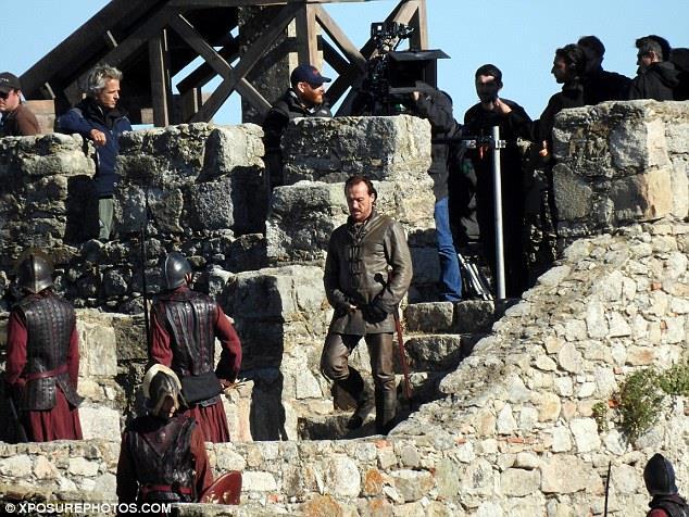 Game of Thrones: Jerome Flynn nei panni di Ser Bronn sul set di Trujillo
