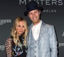 Kaley Cuoco e Karl Cook sul red carpet del Longines Master Los Angeles Gala