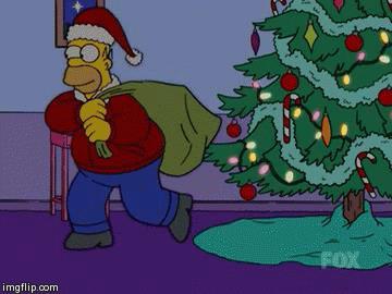 Homer intorno all'albero di Natale