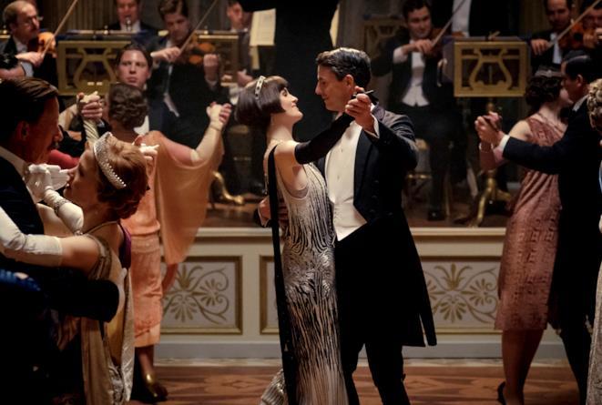 Una scena di ballo dal film Downton Abbey