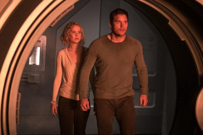 Immagine ufficiale di Passengers, con Jennifer Lawrence e Chris Pratt