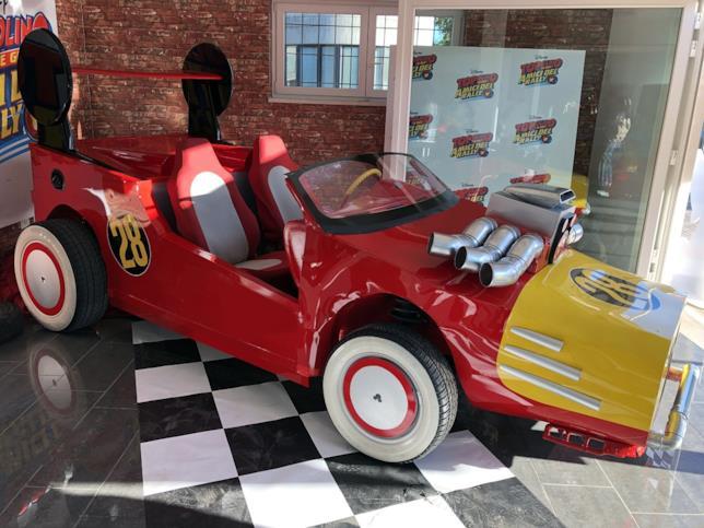 La Topobolide finita, l'auto sportiva di Topolino