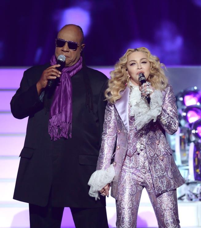 Madonna e Stevie Wonder ai Billboard Music Awards 2016