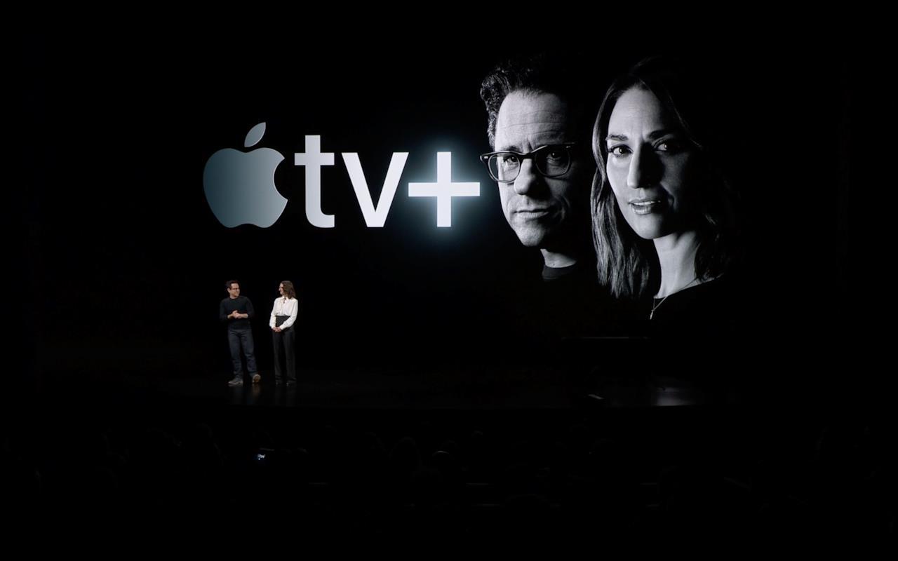 J.J. Abrams e Sara Bairelles all'evento Apple del 25 marzo
