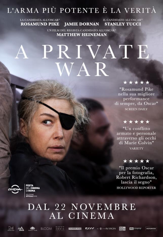 Poster italiano del film A Private War con Rosamund Pike