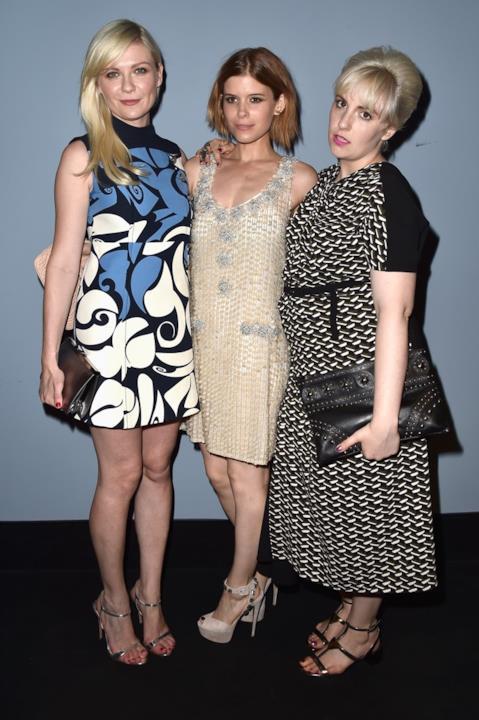 Lena Dunham, Kirsten Dunst e Kate Mara ai Miu Miu Women's Tale a Venezia 73