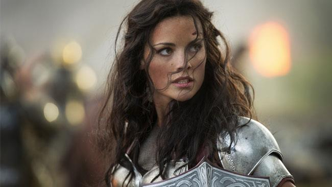 Jaimie Alexander nel ruolo di Lady Sif