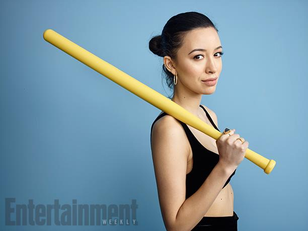 Christian Serratos - Rosita imita Negan