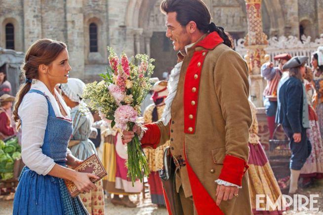 Belle parla con Gaston ne La Bella e la Bestia