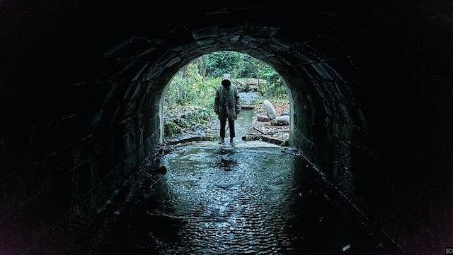 Una scena di Ghost Stories