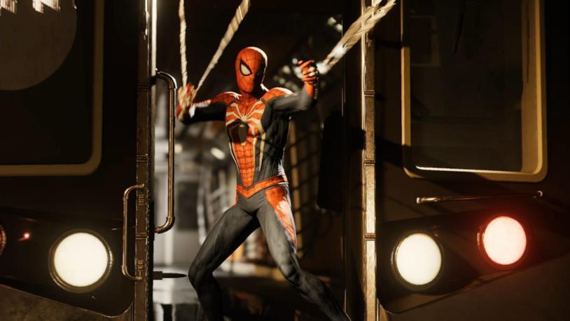 Spidey tenta di bloccare un treno in Spider-Man