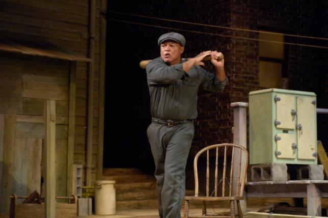 John Beasley si esibisce a teatro