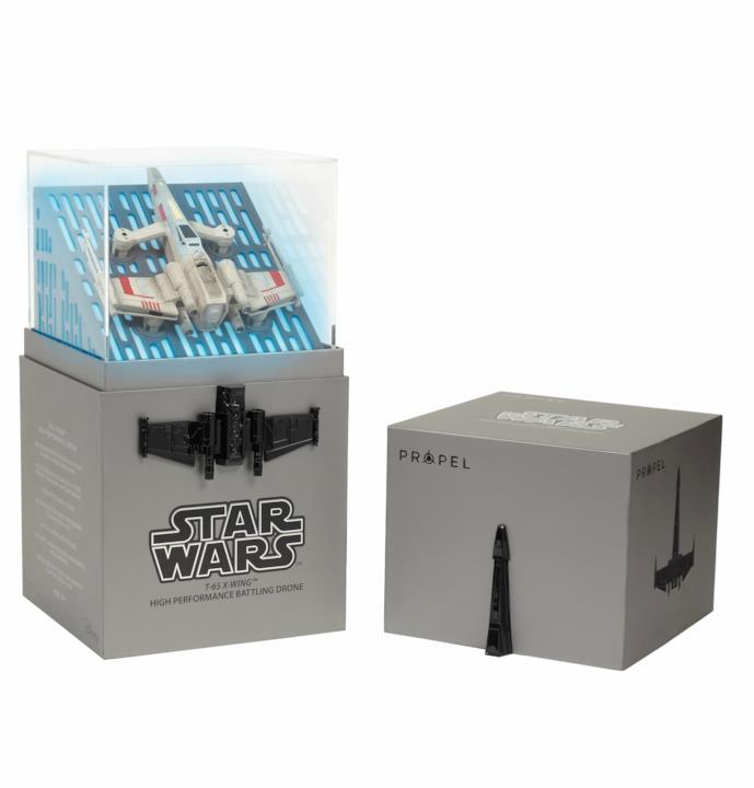 l' X-Wing e la sua scatola