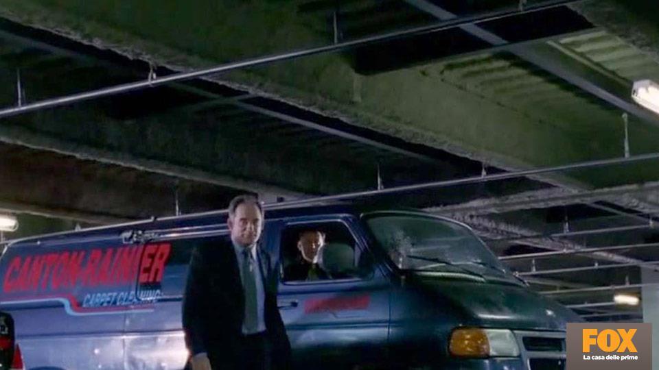 Il nome sul furgoncino che porta la bara di Locke, è l'anagramma di reincarnation.