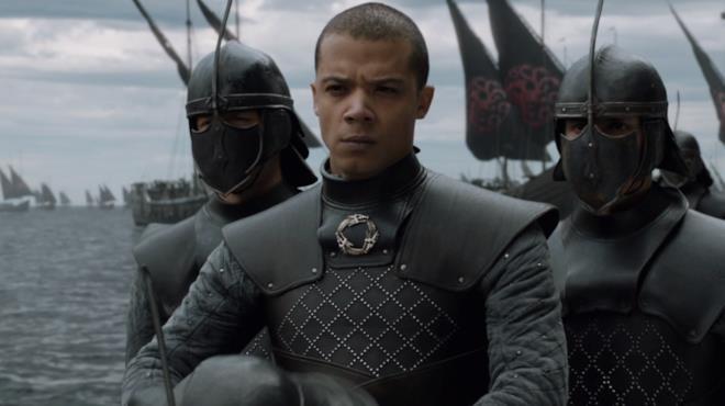 Jacob Anderson nei panni di Verme Grigio in Game of Thrones