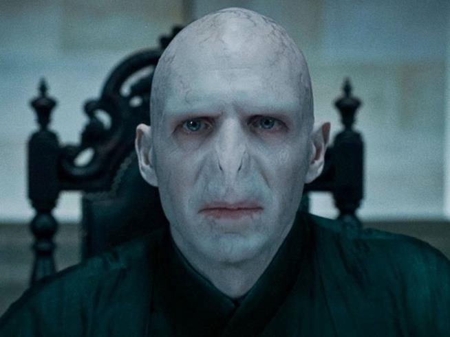 Ralph Fiennes nei panni di Voldemort