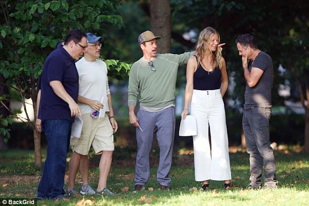 Gli attori sul set di Avengers 4