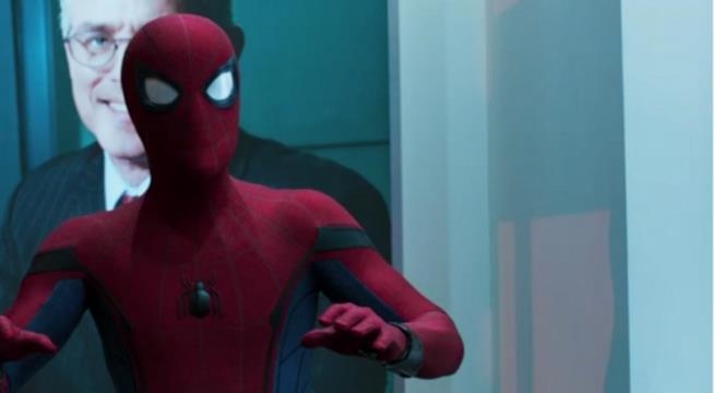 Spider-Man in una scena dal trailer ufficiale