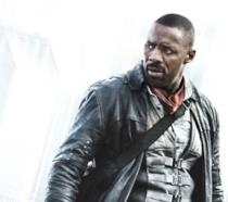Idris Elba nei panni di Roland Deschain