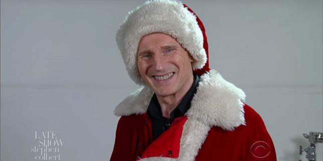 Il minaccioso Babbo Natale di Liam Neeson