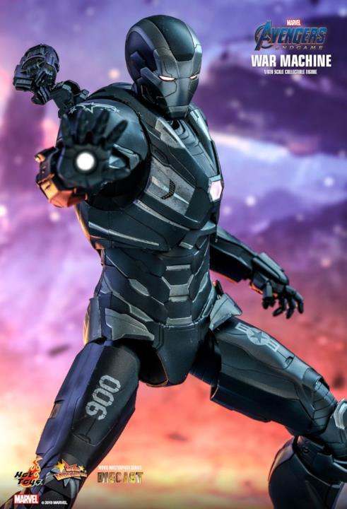 War Machine: l'action figure di Hot Toys