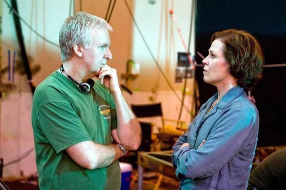 Sigourney Weaver e James Cameron sul set di Avatar