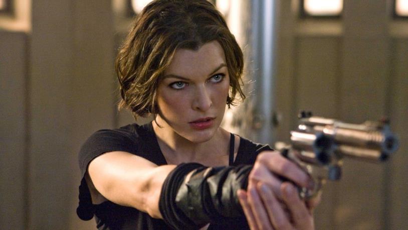 Milla Jovovich nei panni di Alice in uno dei film del franchise Resident Evil