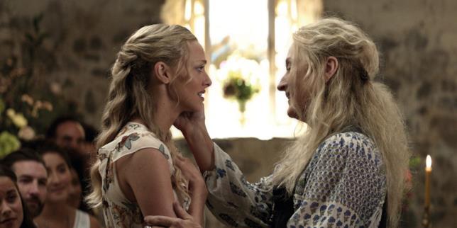 Amanda Seyfried e Meryl Streep in una scena di Mamma Mia! Ci risiamo