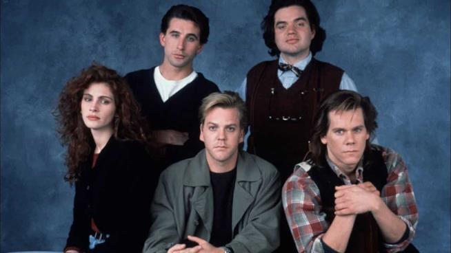 Julia Roberts, Kiefer Shuterland, Kevin Bacon, William Baldwin e Oliver Platt, protagonisti di Linea Mortale