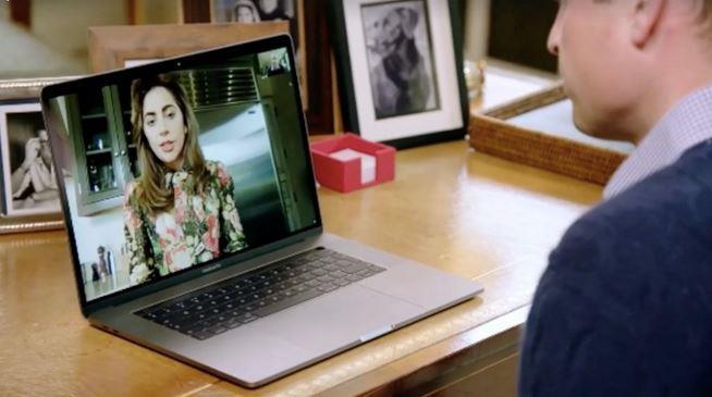 William e l'immagine di Lady Gaga nella chat del computer