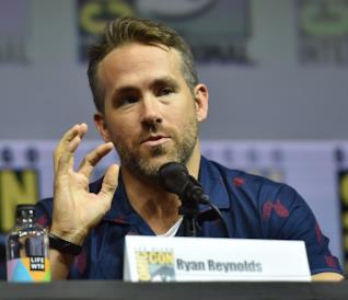 Un primo piano dell'attore Ryan Reynolds