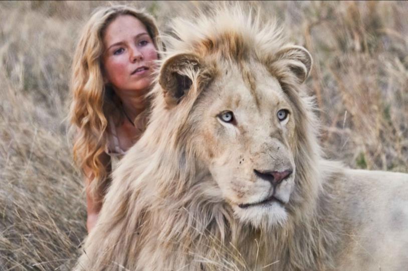 Daniah De Villiers con il leone bianco