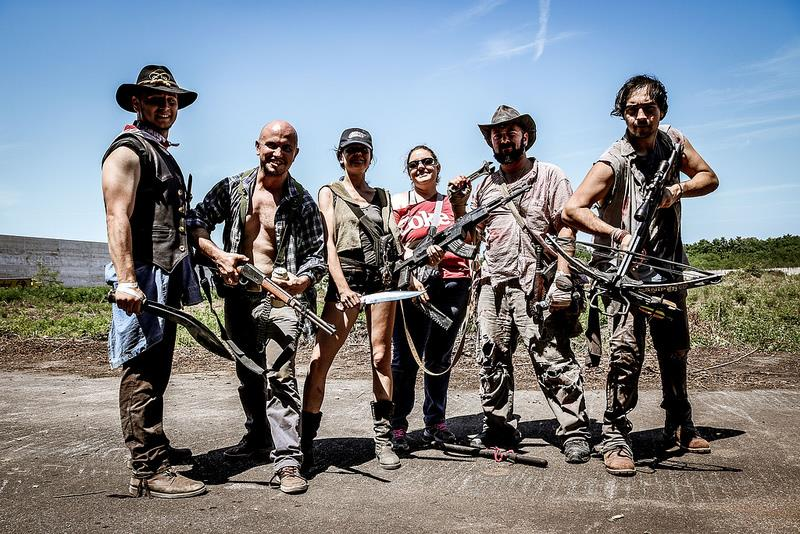 Un gruppo di agguerriti sopravvissuti
