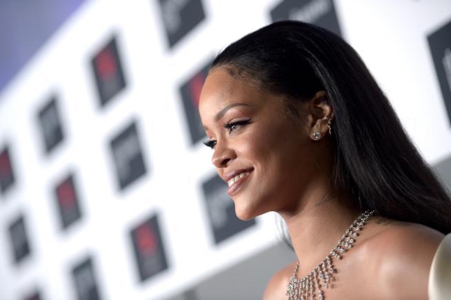 Rihanna a un evento di gala