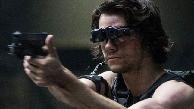 Dylan O'Brien punta la pistola in American Assassin