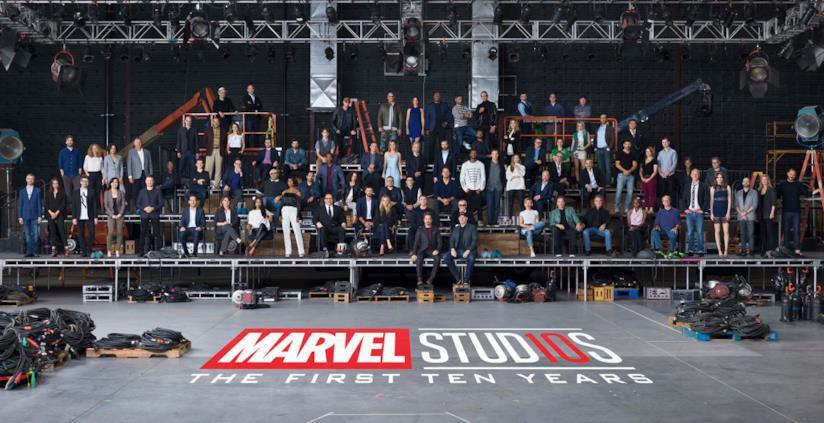 Un'enorme foto di gruppo celebra i primi 10 anni del Marvel Cinematic Universe