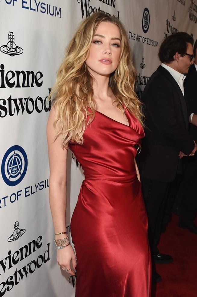 Amber Heard alla sfilata di Vivienne Westwood